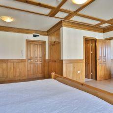 Шеметен двустаен апартамент в реномиран голф и спа комплекс със спиращи дъха гледки.